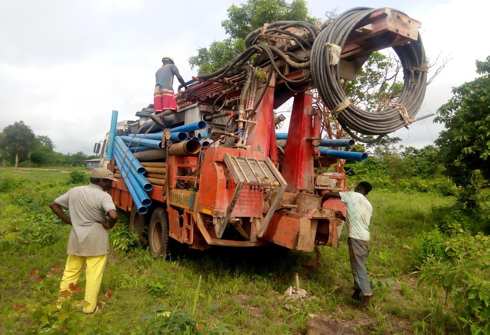 Wasserbohrung in Kunbi